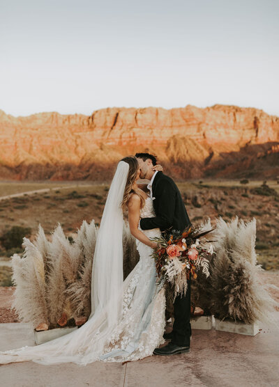 under canvas zion boho wedding pampas grass