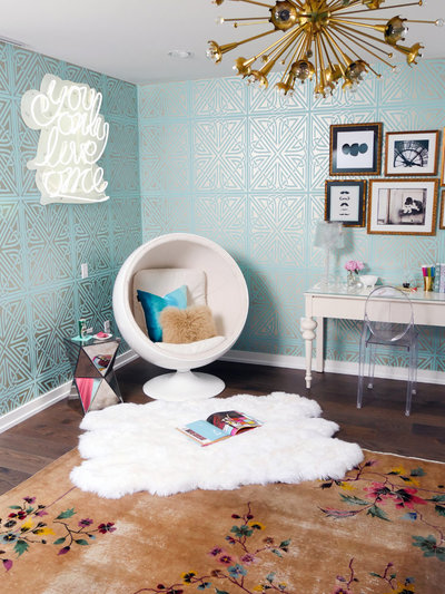Glamour-Nest-Encino-Playful-Glamour-Interior-Teen-Bedroom-20