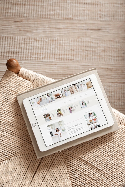 Carmen Renee Blog - Showit Blog Template for Content Creators Style Bloggers Fashion Bloggers Travel Bloggers Lifestyle Bloggers - 3