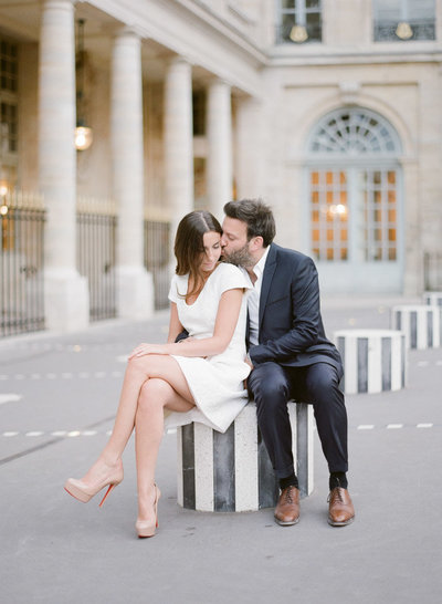 palais-royal-paris-engagement-photographer-jeanni-dunagan-11