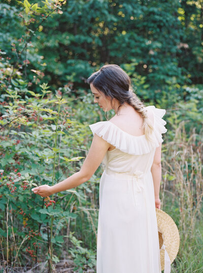 Michela Watson Photography Michela Brooke Photography Natural Organic Timeless Simple Feminine Fine Art Film Maternity Pregnancy Motherhood Ivy Rose Barn-10