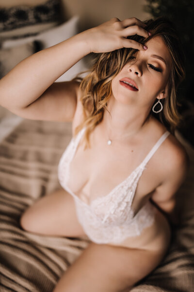 Holly_BoudoirSession-1