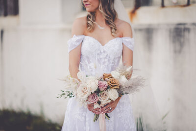 Michaela Mantarian Florist Floral Designer Flowers Wedding Weddings Special Events Luxury Chicagoland Blooms Light Airy Texture Bouquet Bouquets Boutonnieres Corsages Bridal Party Boquet9