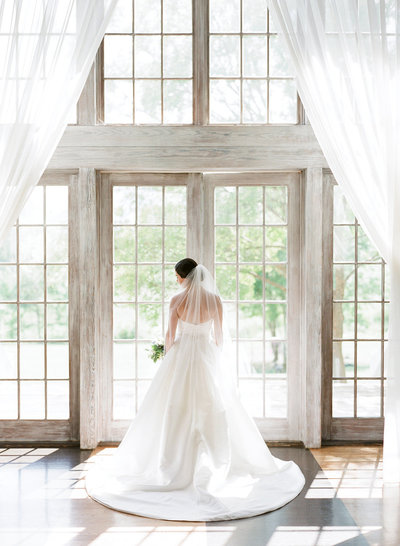 Classic Blue Virginia Winery Wedding, Shannon Moffit Photo