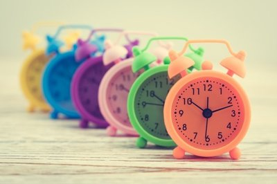 colorful-clocks-row_1203-2040