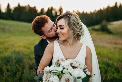 PNW Elopement and Wedding Photographer - Clara Jay Photo