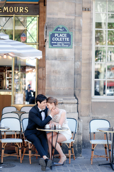 Paris photographer-Engagement in Paris-Parisian caffé-Gabriella Vanstern-56