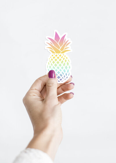 sticker-mockup-pineapple