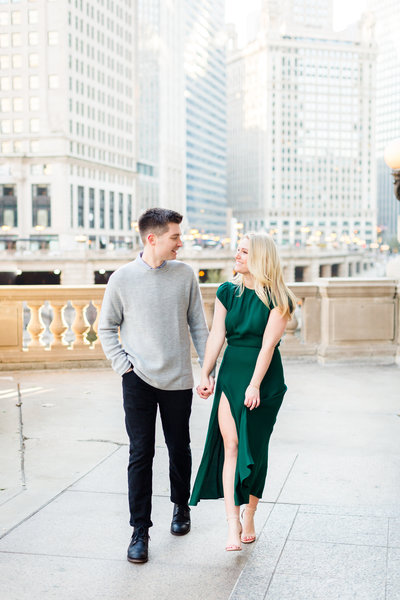 winter-downtown-chicago-engagement-session-30