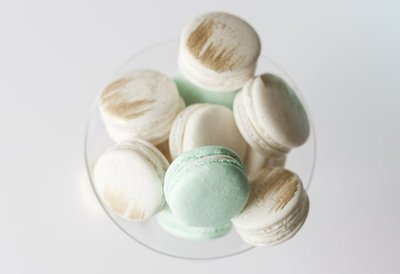 Whippt desserts french macarons