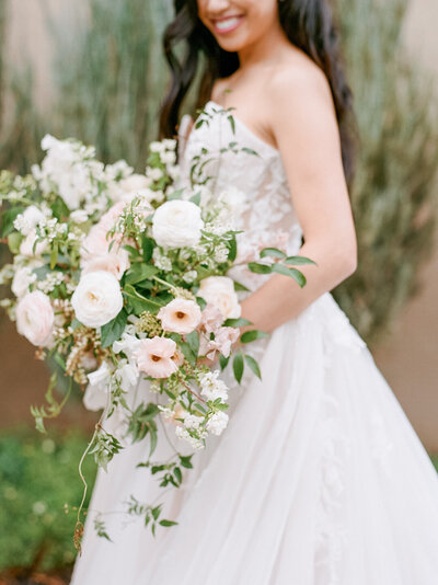 elegant-spring-bridal-bouquet-walnut-and-main