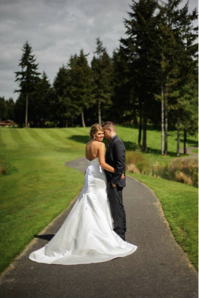 Canterwood Golf and Country Club is a wedding venue in the Seattle area, Washington area photographed by Seattle Wedding Photographer, Rebecca Anne Photography.