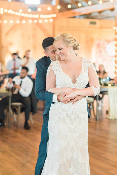 lucklovephotographynorthernvirginiaweddingphotographercourtneyjosesweddingfirstdanceashusbandwife14