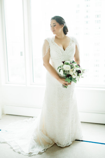 The Classic bride is never out of style! Simple and elegant highlight her beauty!