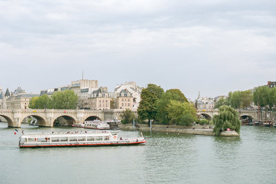 seine-river-boat-photo