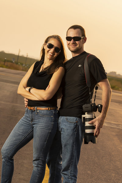 sioux falls photographer couple south dakota highway sunset session