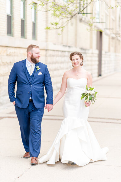 downtown-milwaukee-wedding-photographer