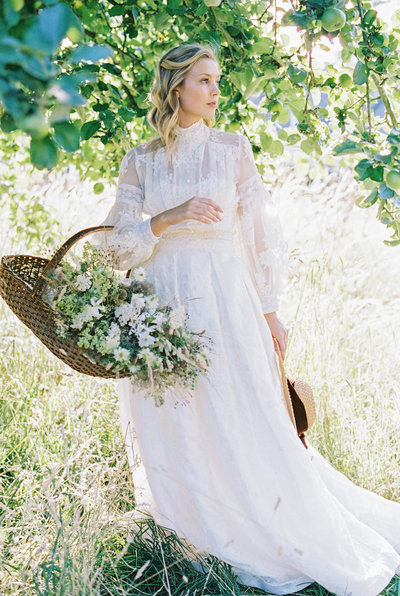Lace-high-neck-long-sleeve-wedding-dress-JoanneFlemingDesign-MarielHannahPhoto (87)