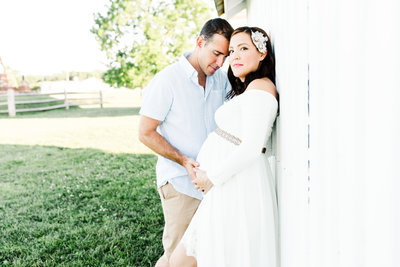 maternity-session-in-a-field-northern-va-3