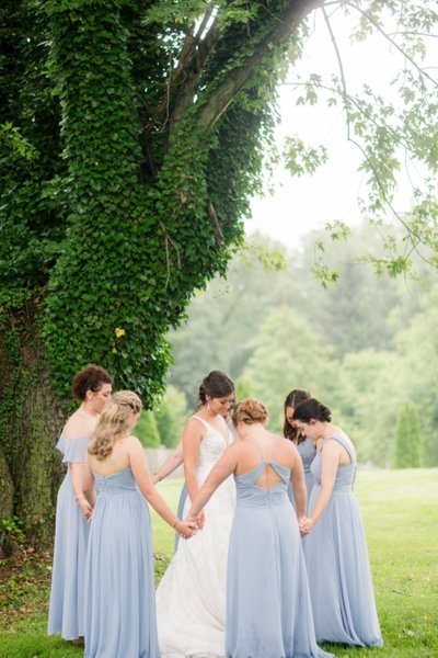 Summer Prosperity Mansion Wedding by Lindsey Markle Photography