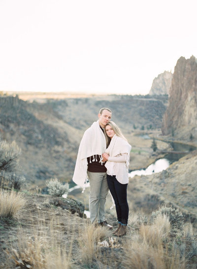 smith-rock-engagement-photographer-jeanni-dunagan-3