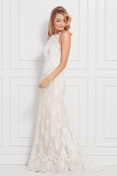 You only get one chance to make a grand entrance, so a dress of head-to-toe corded Alencon Lace with a plunging back pretty much covers it, we think.