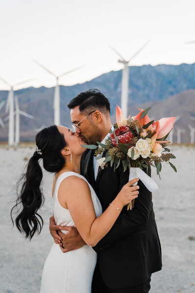 palm-springs-airbnb-elopement-joshua-tree-wedding-photographer-12