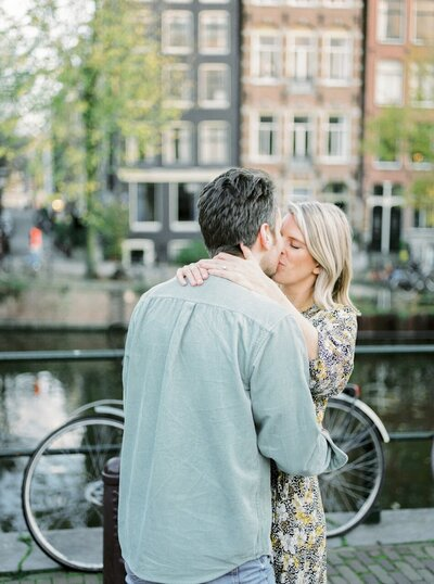 Engagement photos in Amsterdam by Fine Art Photographer Michelle Wever Photography_0030