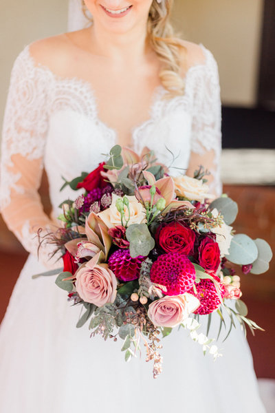 fall-bridal-bouquet-the-villa-wedding