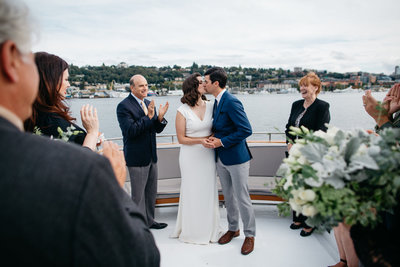 intimate-seattle-boat-wedding19