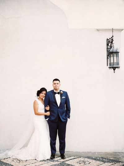 Bride and Groom at the Vanderbilt Museum by NY Wedding Photographers Orange Photographie