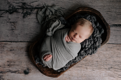 Froggy Pose, Newborn Session, Grand Rapids, MN