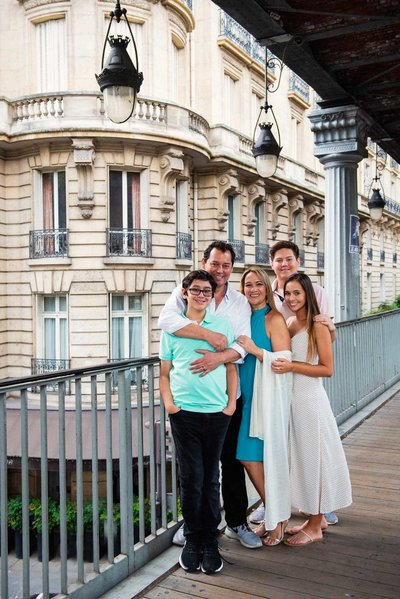 Demi booked Paris photosgrapher Shantha to capture her family's holiday memories in Paris.