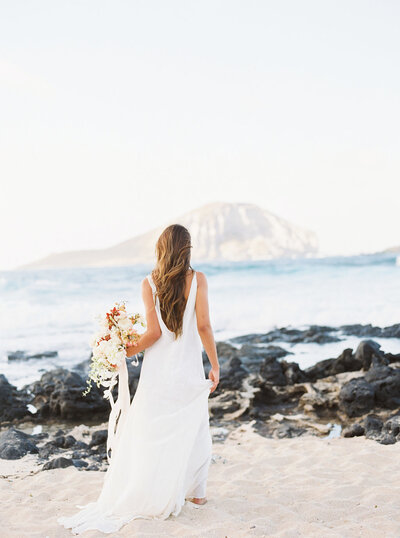 designs-by-hemingway-elopement-bouquet-in-hawaii