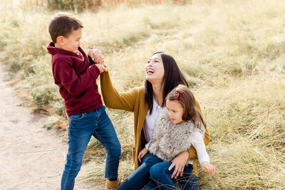 edina-family-little-kids-holiday-card-photos-fall-mini_0020