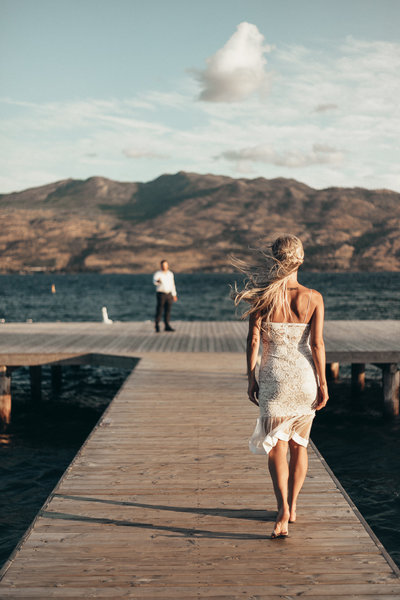 wedding photographs on okanagan lake by pala mikayla kelownas top photographers