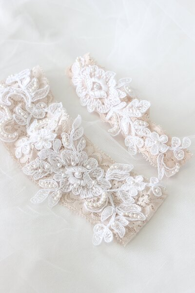 Noela's champagne lace garters with beaded lace applique 1