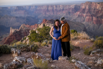 1909189.18.19 LR Maternity Photos Grand Canyon0011