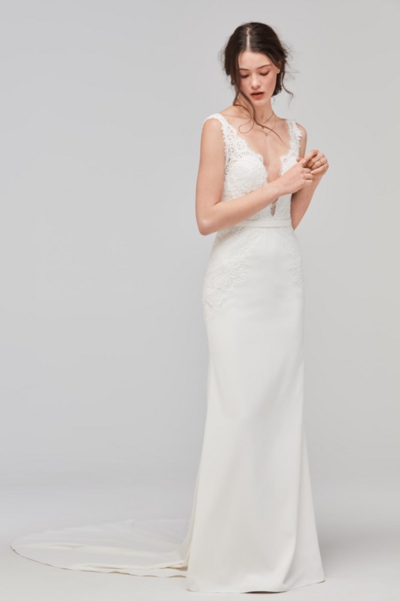 For more traditional tastes, Lief lined is the perfect blend of shape and styling. Sarana lace flows over illusion tulle and Georgette in a classic silhouette.