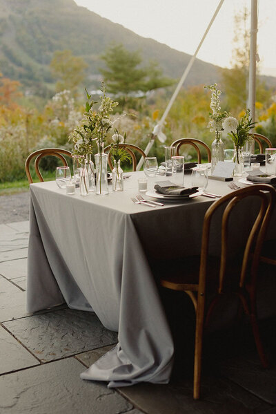Modern Tablescape Grey Scribners Lodge Wedding Catskills Wedding Venue Wedding Planner New York Upstate Wedding Planner Canvas Weddings