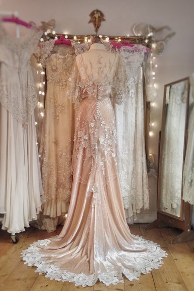 GabrielleRay_Belle_Epoque_champagne_velvet_flower_wedding_dress_JoanneFlemingDesign
