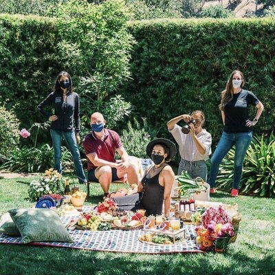insta photo picnic team