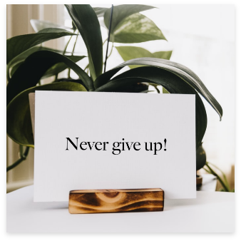 Visitekaartje_Never_Give_Up!