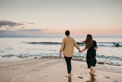 athena-and-camron-australia-thirroul-beach-sunset-couple-indwell-weddings-1