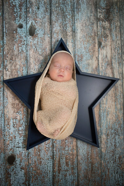 Portraits by Anna_Easton Newborn-32