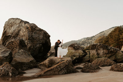 mattie-carl-stinson-beach-elopement-48