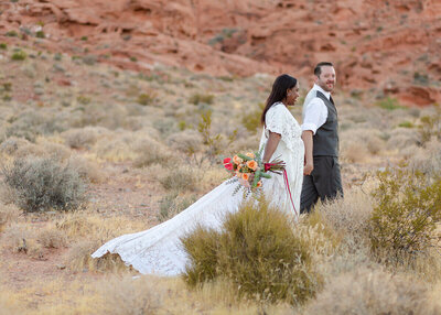 Couple walking at the Valley of Fire  Las Vegas