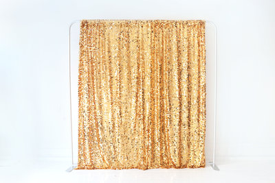 Gold-Sequin-Backdrop-BananaWho