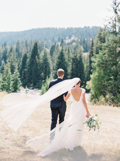 320 Guest Ranch Wedding by Orange Photographie - Montana Wedding Photographers