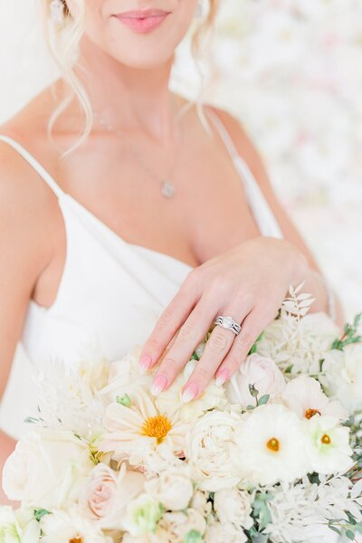 spring-bridal-bouquet-01